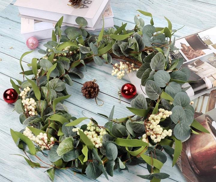 How Do Succulent Wreaths Work