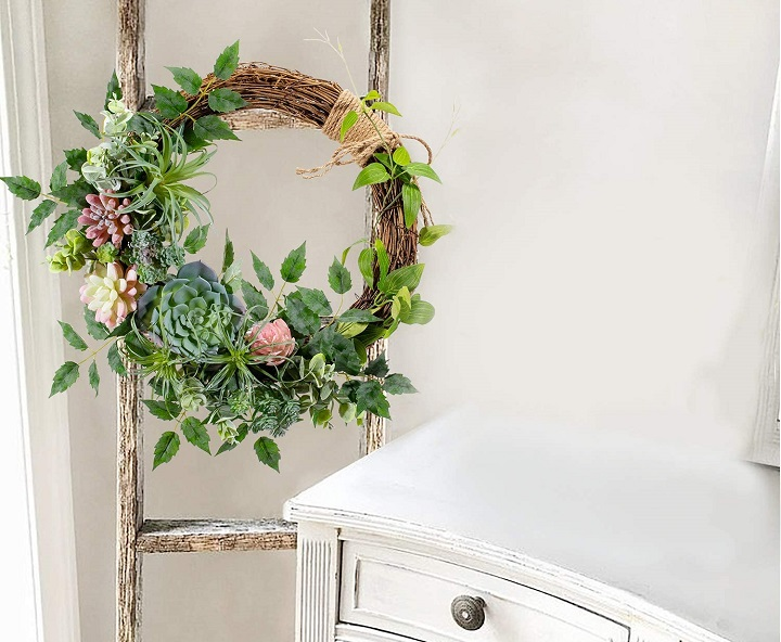 How to Make a Gorgeous Succulent Wreath You'll Love
